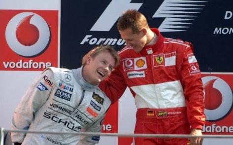 Michael Schumacher e Kimi Raikkonen sul podio del Gran premio di Monza